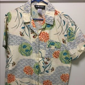 Pretty lotus print button up shirt